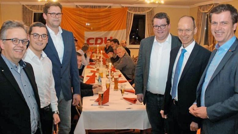 """Bad Laerer CDU genießt fünftes """"Wurstebrotessen"""""""